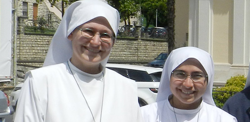 Servant Sisters of the Home of the Mother in Italy